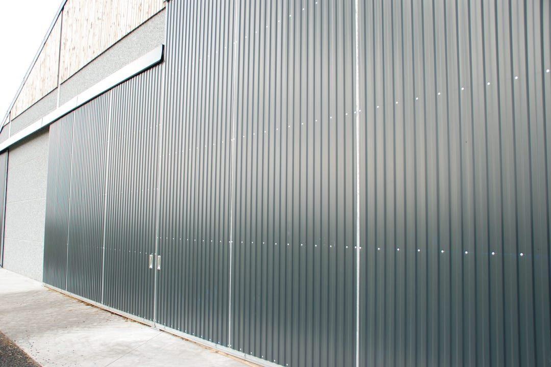 portes coulissantes en métal