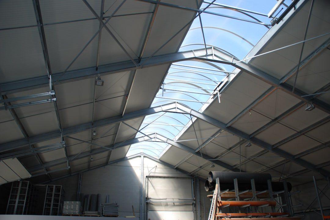 Elément de toiture coupole industrielle